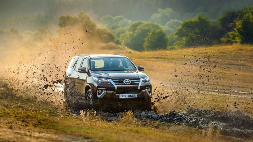 В России стартовали продажи Toyota Fortuner