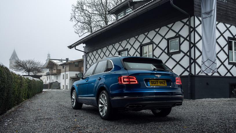 В России поступил в продажу дизельный кроссовер Bentley Bentayga