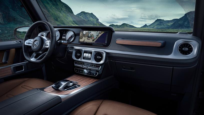 Салон нового Mercedes G-Class