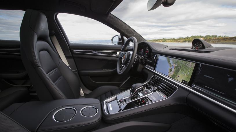 Porsche Panamera Sport Turismo: тест-драйв самой красивой Panamera в истории