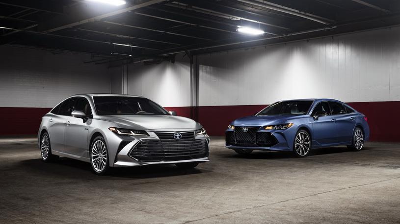 Toyota показала новый седан, который больше и роскошнее Camry