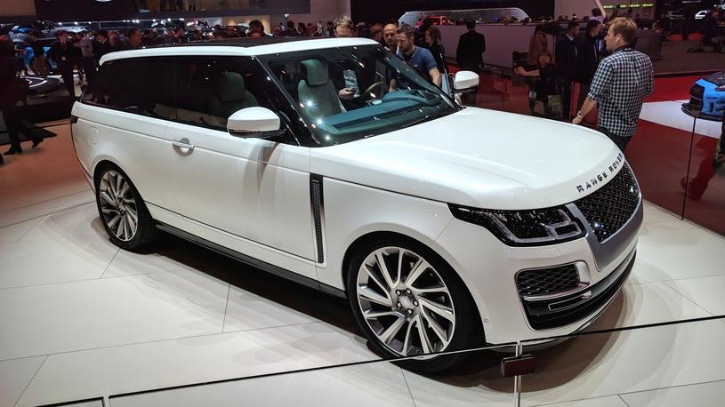 Быстрый, редкий, дорогой: Range Rover привез в Женеву 3-дверный SV Coupe