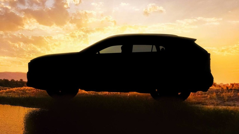 Больше брутальности. Тойота показала навидео RAV4 обновленного поколения