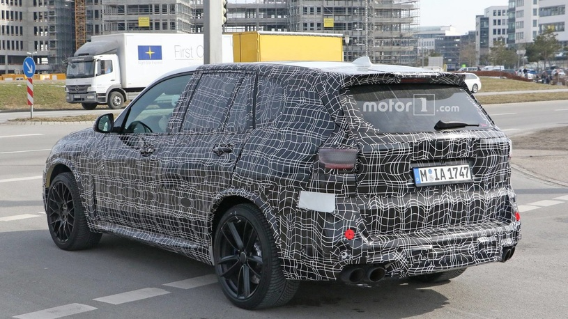 Фотошпионы поймали новый BMW X5 M