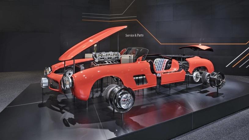 Mercedes начал выпускать запчасти для модели полувековой давности