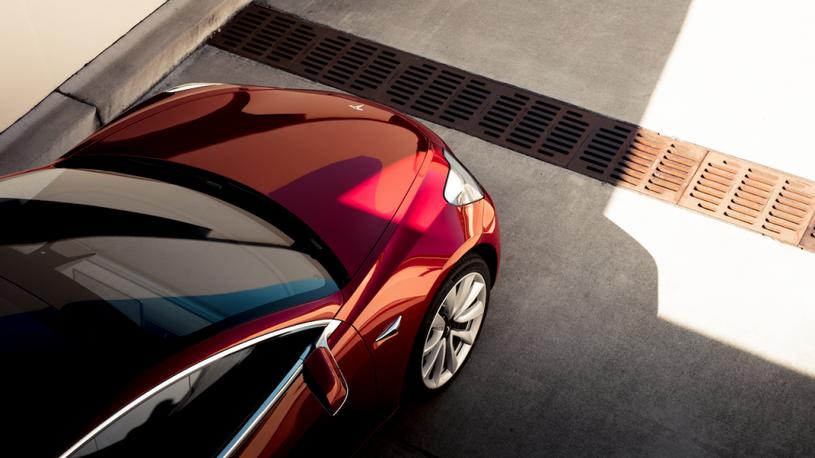 Представлена самая быстрая версия Tesla Model 3