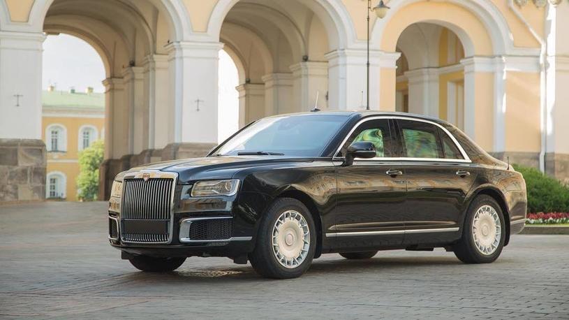 В РФ  испытали президентский лимузин Aurus на50-градусном морозе