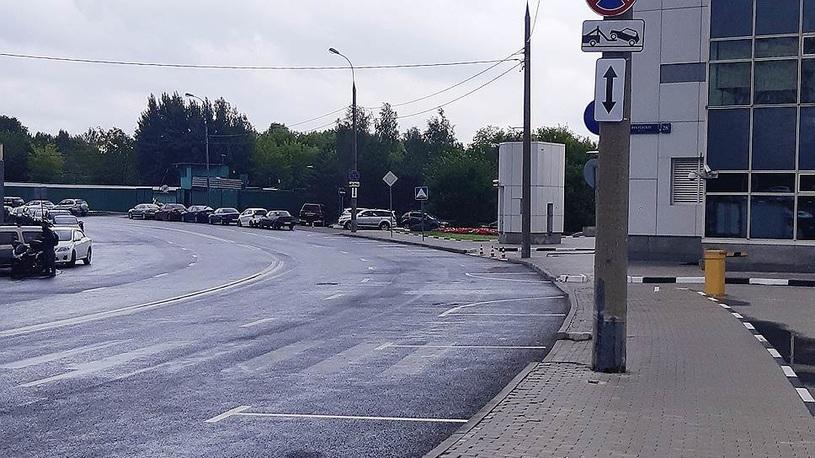 На Рублевском шоссе поспорили знаки и разметка