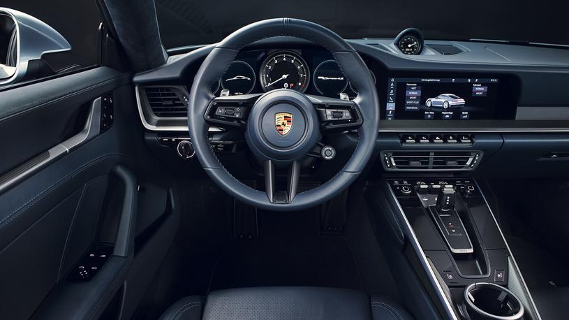 Новый Porsche 911 серии 992 дебютировал в двух версиях
