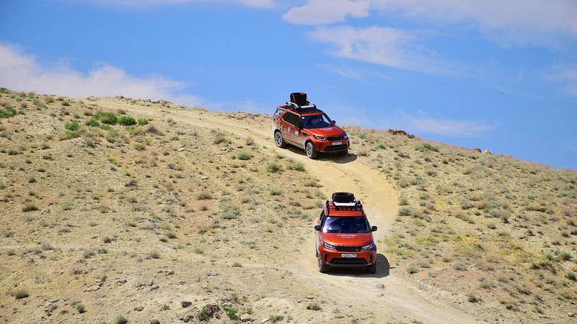 978 - Близкий космос: на новом Land Rover Discovery – по плато Устюрт