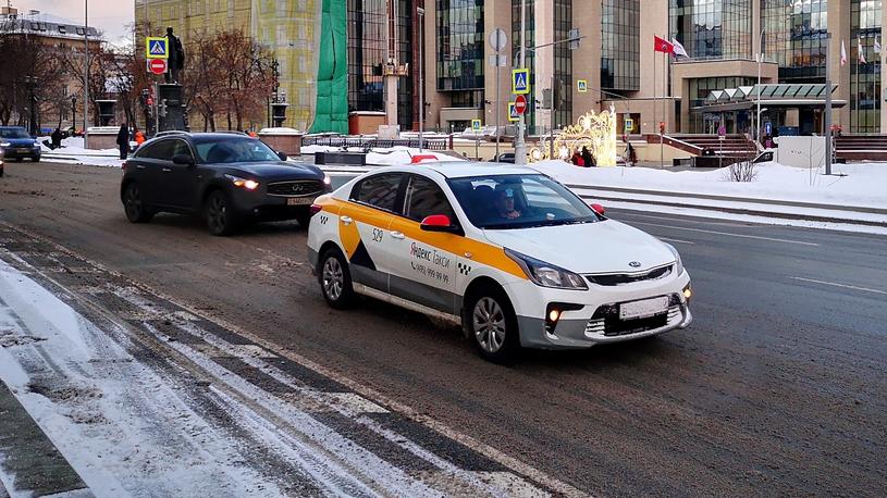 Таксисты нарушают ПДД реже обычных водителей, но опаснее