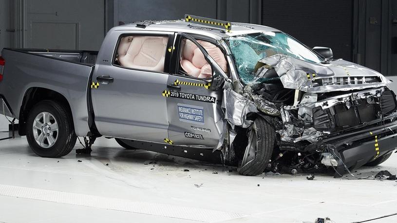 Пикапы признаны опасными для пассажиров при ДТП