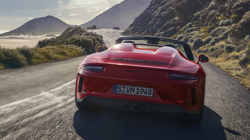 Порше запустил всерийное производство 911 Speedster