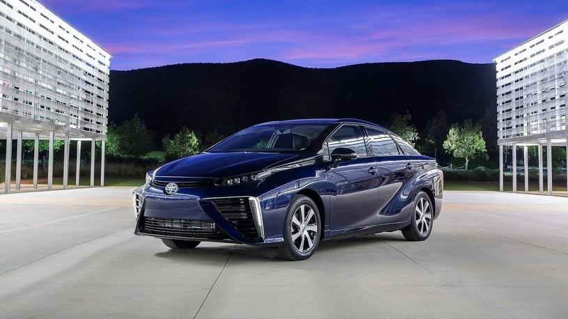 Toyota пообещала уравнять в цене водородные автомобили с гибридными