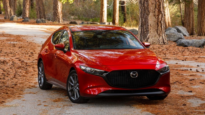Названы российские цены на Mazda3 нового поколения