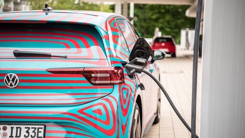 """Volkswagen снабдит свои электрокары """"вечными"""" батареями с гарантией"""