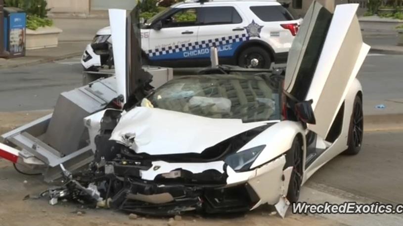 Богатые тоже бьются: мажор на Lamborghini за 21 млн протаранил полицейский джип