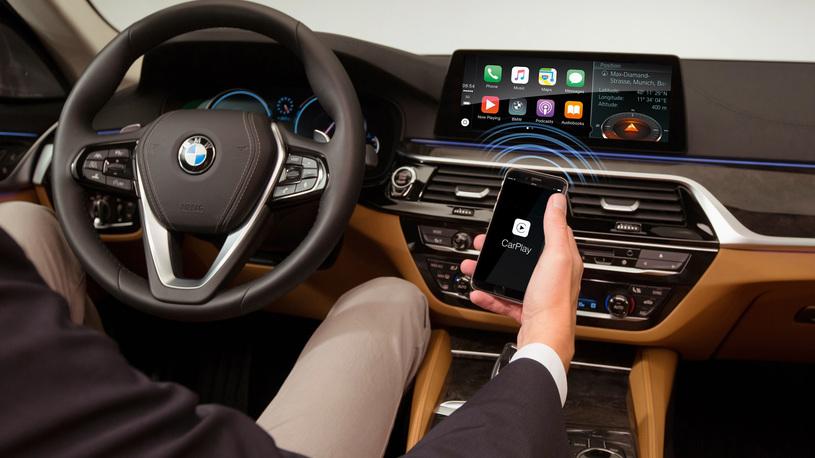 """Новые iPhone 11 массово превращаются в """"кирпич"""" при подключении CarPlay"""