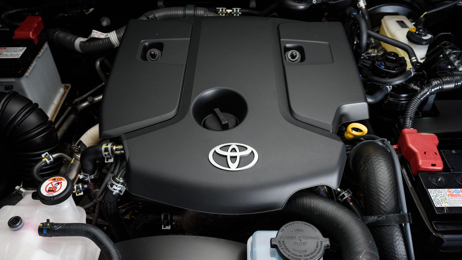 Тест-драйв Toyota Fortuner. Все, что вы хотели знать о младшем брате TLC Prado