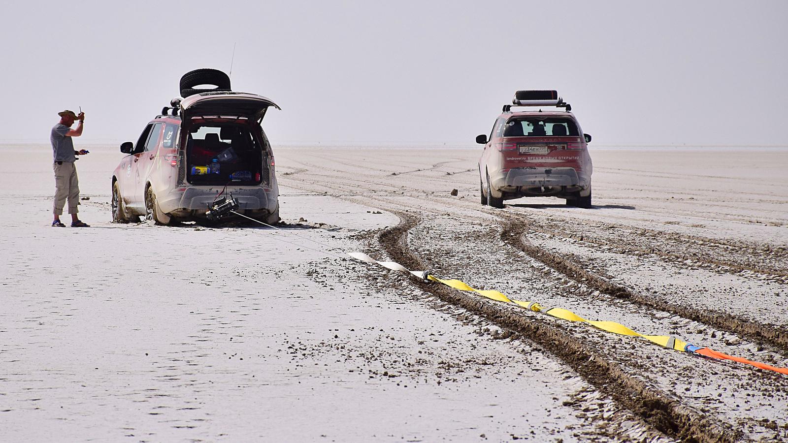 396 - Близкий космос: на новом Land Rover Discovery – по плато Устюрт