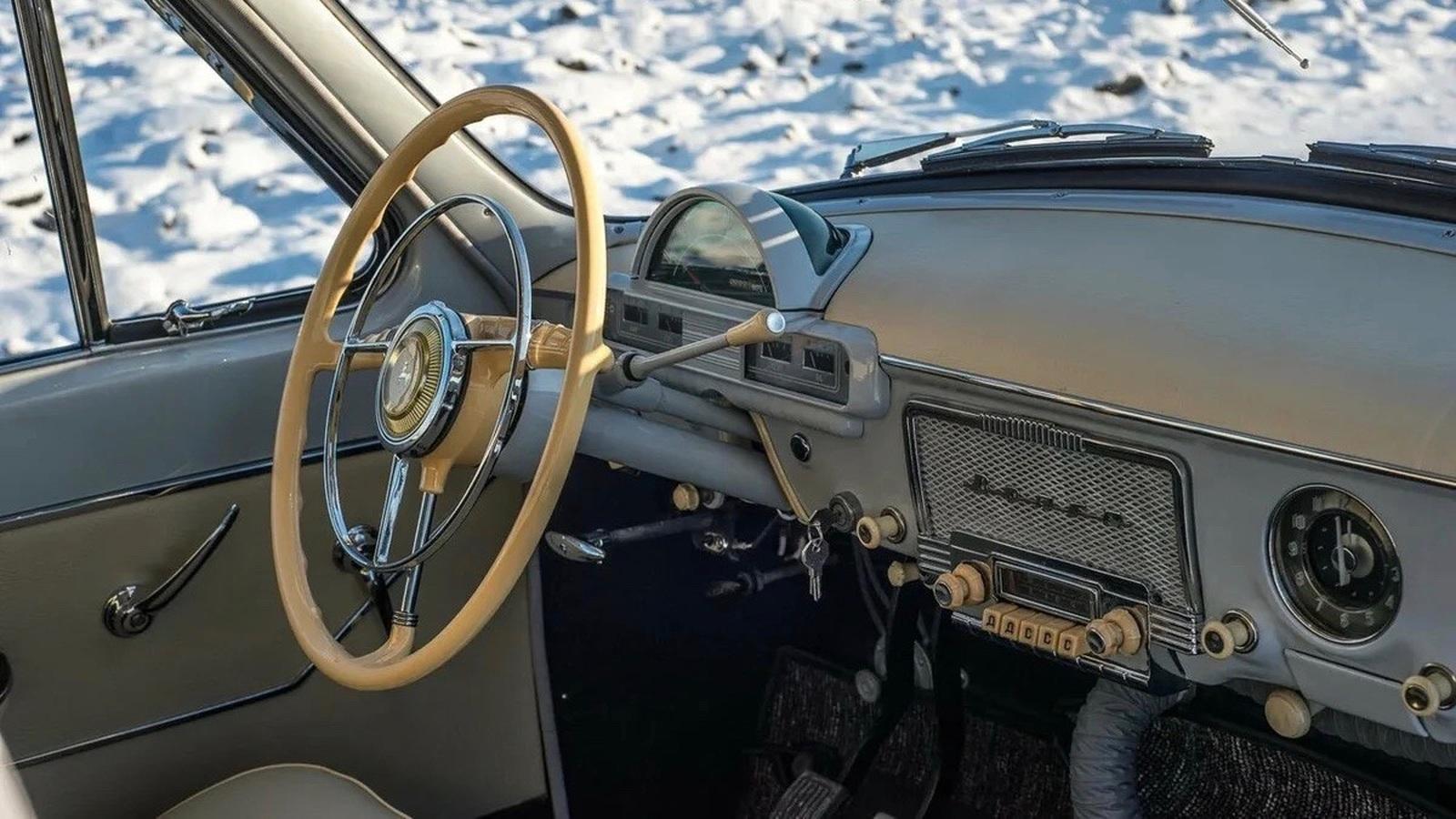 """В России продают редкую 55-летнюю """"Волгу"""" по цене нового BMW X6"""