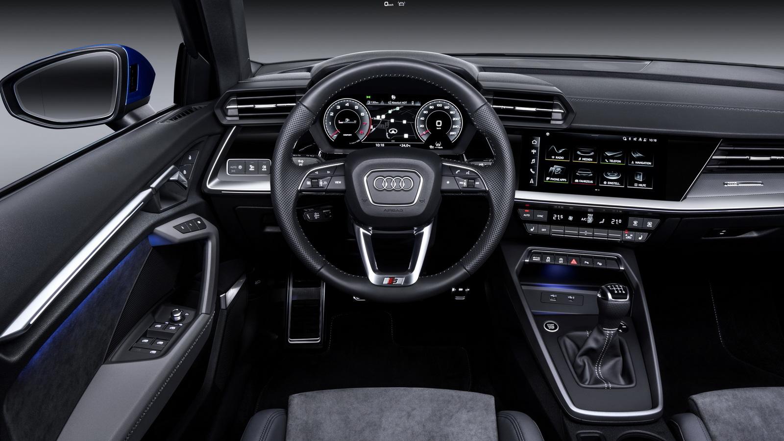 Новый Audi A3: дешёвая задняя подвеска и угловатый интерьер с настоящими кнопками