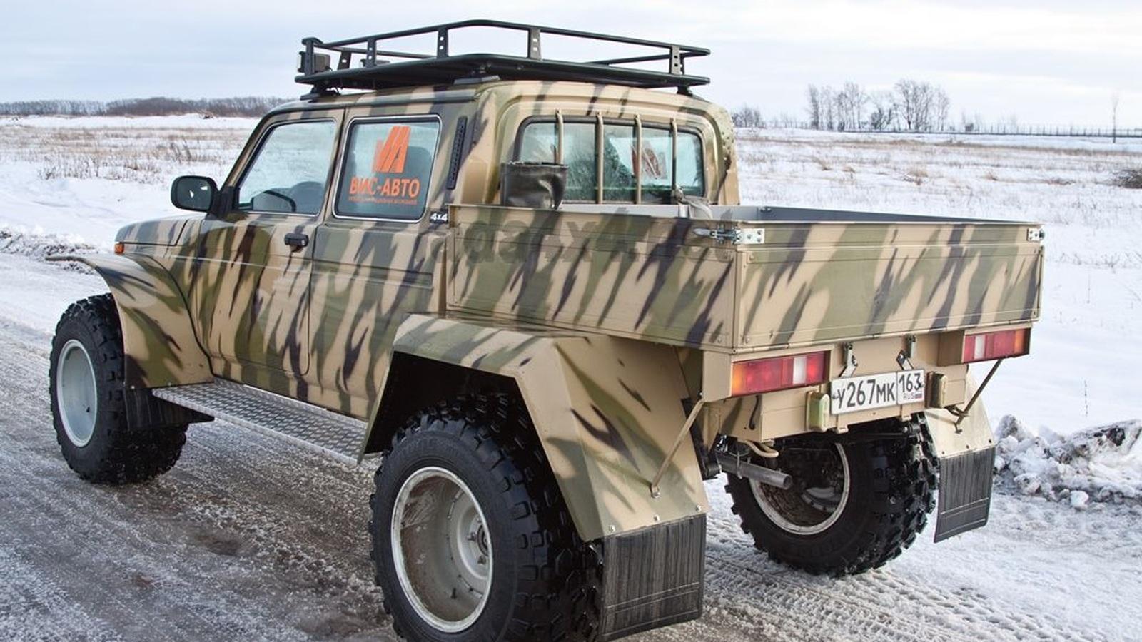 Lada 4x4 превратили в пикап с огромными колесами