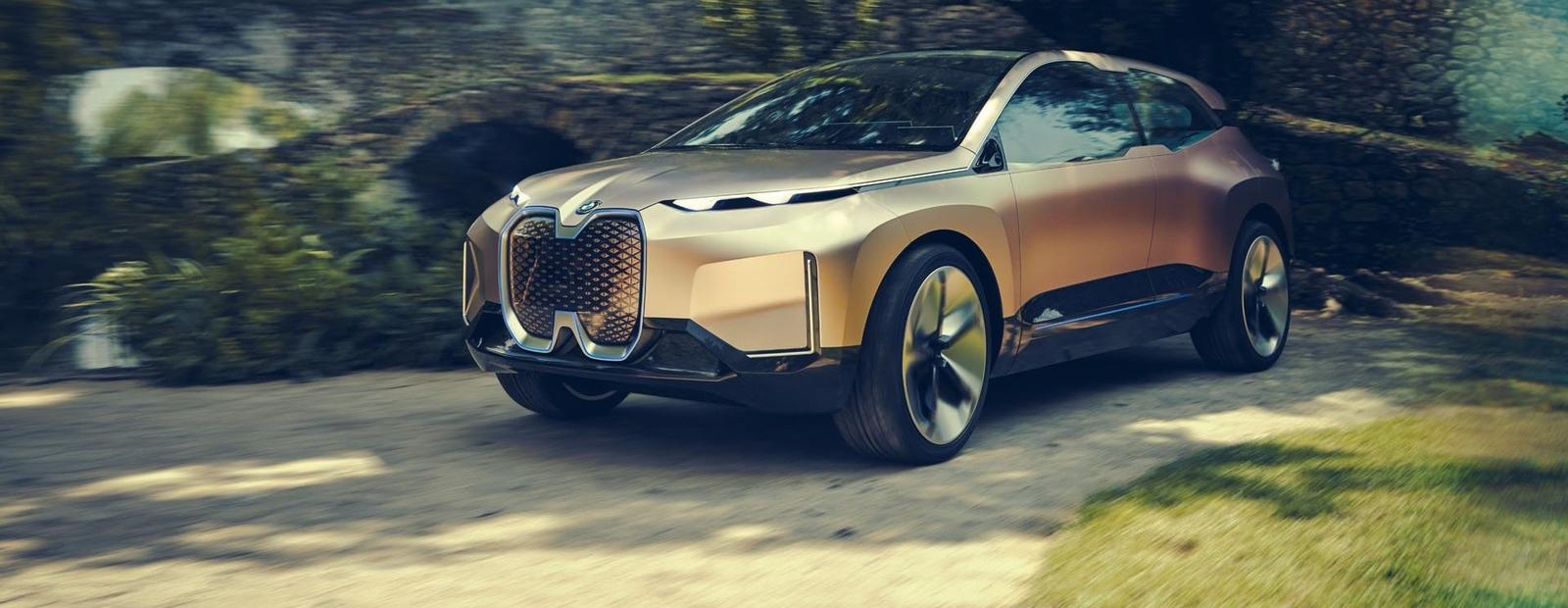 У BMW появился электрический кроссовер с автопилотом