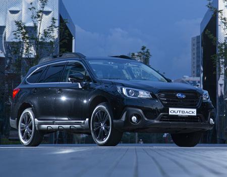 Очень черный Subaru Outback