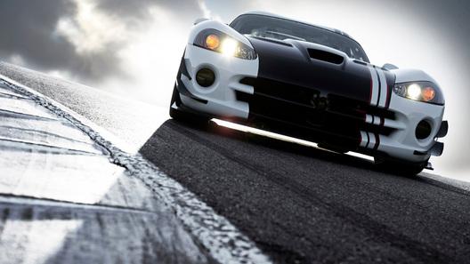 Viper SRT10 ACR-X: гражданский спорткар, переодетый для гонок