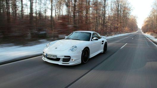 Новым Porsche 911 Turbo и Turbo S добавили аэродинамики