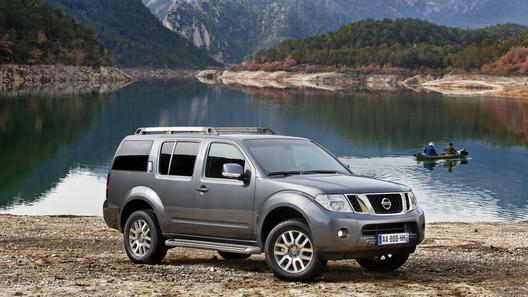 Обновленные Nissan Pathfinder и Navara получат новый дизельный V6