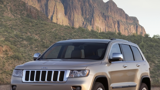 Объявлены официальные цены на новый Jeep Grand Cherokee