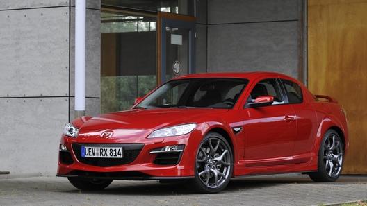 Mazda снимает с производства спортивное купе RX-8