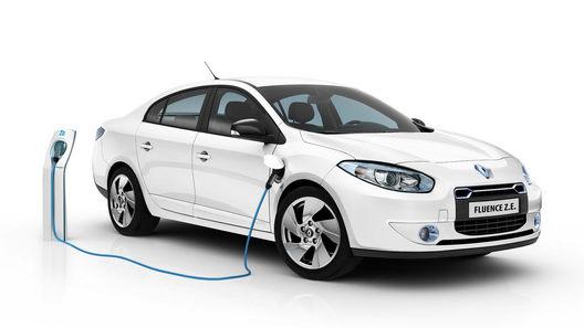 Французы показали серийные версии электрического седана и