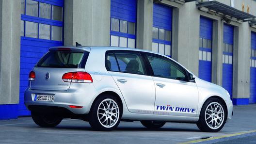 Volkswagen показывает прототип Golf Blue-e-Motion и делится планами на будущее