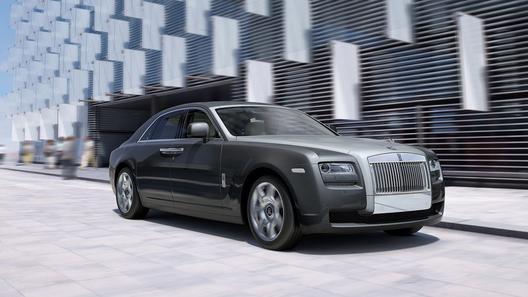 Rolls-Royce хочет произвести ребрендинг марки, привлекая сторонних пиарщиков