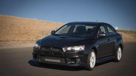 Mitsubishi представила новую версию Lancer Evolution X SE