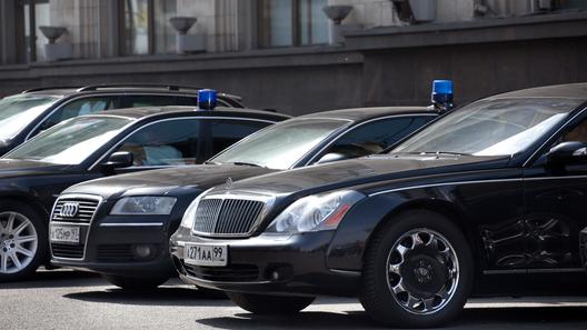 Запрет начерные машины ввели для госслужащих вГрузии