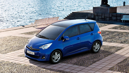 Toyota представила новый компактный минивэн Verso-S