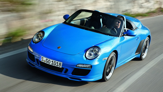 Компания Porsche анонсировала открытый спорткар 911 Speedster