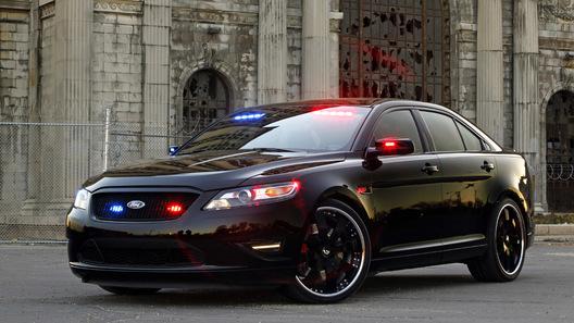 Ford представит концепт полицейского stealth-перехватчика