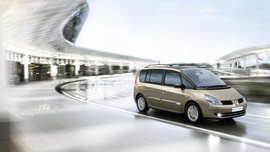 В Renault слегка причесали минивэн Espace