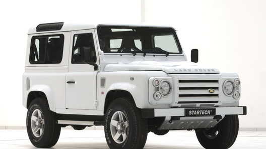Land Rover Defender превратили в подобие яхты