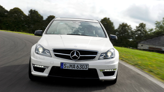 Появилась новая порция информации о Mercedes C63 AMG