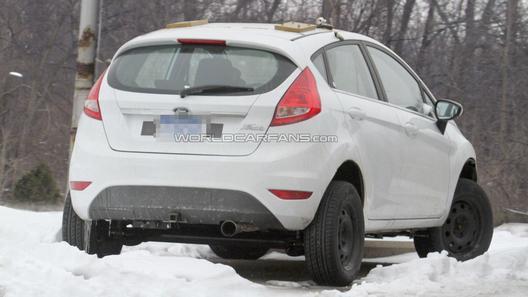 Ford превратил малолитражку Fiesta в кроссовер