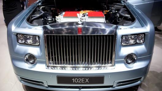 Rolls-Royce создал первый в своей истории электролимузин