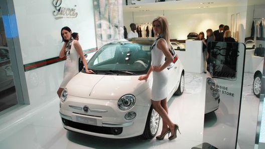 Fiat 500 by Gucci, или как подобрать автомобиль к сумочке
