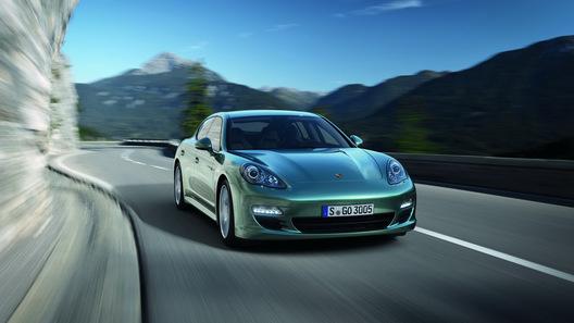 Дизельная Porsche Panamera поступит в продажу в августе