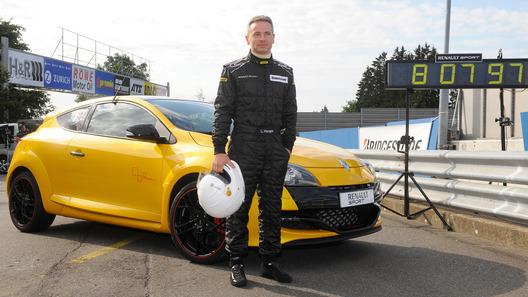 Renault Megane установил новый рекорд Нюрбургринга